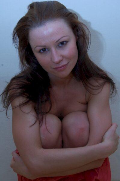 Adopte une femme infidèle sexy très en manque