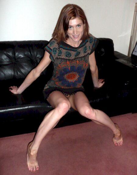 Belle coquine soumise pour mec dominateur