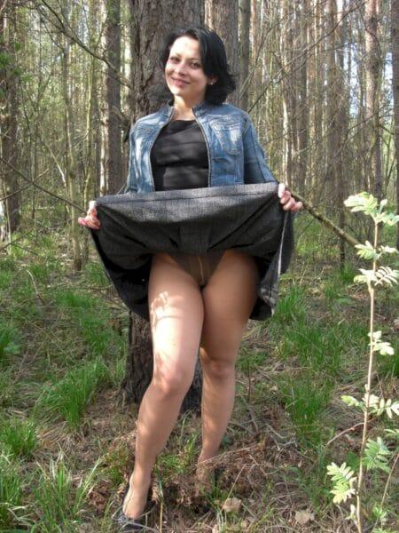 Femme sexy soumise pour homme dominateur de temps en temps libre